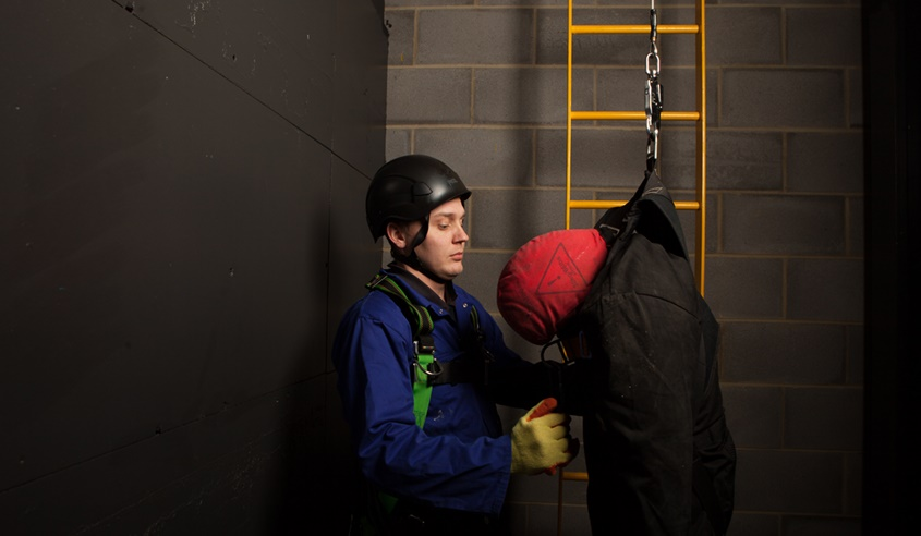 Working in Medium Risk Confined Spaces training